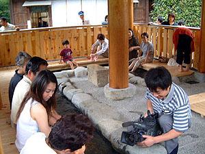 合掌村に新名所「足湯」オープン