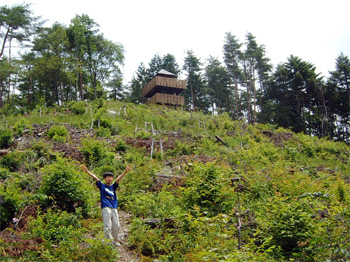 ミニハイキングにピッタリ〜温泉街を見下ろす展望台完成〜